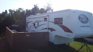 For sale Paradise Point Fifth Wheel RV