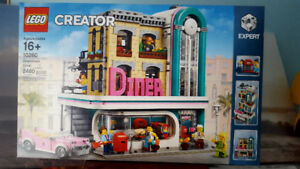 Lego Downtown Diner - Brand New