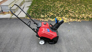 Toro Power Clear 180 Snow Blower, 4 cycle Electric Start!