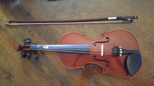 Violin 1/2 size Excellent Condition