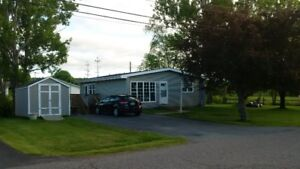 Updated 3bed/2bath bungalow in New Minas