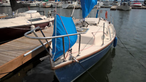 TIME RUNNING OUT Get this 25 foot boat