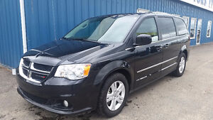 "2016 Dodge Grand Caravan ""CREW PLUS"" Minivan, Van"