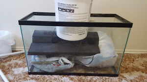 Fish tank 30gal with accessories $60