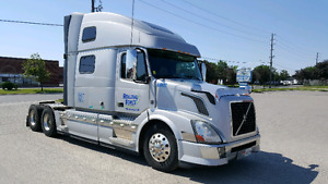 Volvo VNL780 - Nice and Clean