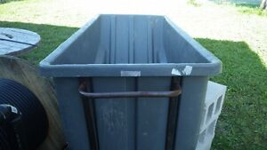 Rolling trash bin Cambridge Kitchener Area image 1