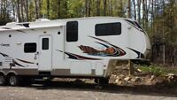 Fifth-Wheel Copper Canyon 38 pieds pour famille