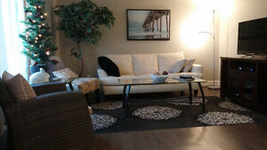 Executive furnished 3 bd town home with double garage
