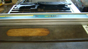 """10"""" KING - made in Canada - TABLE/BENCH SAW Campbell River Comox Valley Area image 3"""