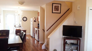 Beautiful Home/Large Basement/Granite/Yard/5 Appliances - Sept1