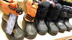 Boys boots some never worn all very warm Belleville Belleville Area image 1