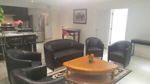 3 BDRM FURNISHED APATMENT - YONGE & QUEENSVILLE - ALL INCLUSIVE!