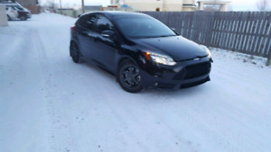 2014 focus st with 42000km and extended warranty