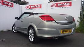 2007 57 VAUXHALL ASTRA CONVERTIBLE TWIN TOP DESIGN.STUNNING COLOUR AND LEATHER .