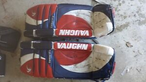 "35"" mens Vaughn goalie pads, with glove and blocker"