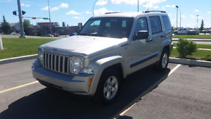 2009 Jeep Liberty v6 4x4 Very Clean!! New tires