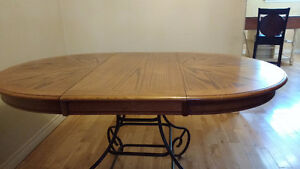 SOLID OAK DINING TABLE ROUND / OVAL WITH METAL BASE Peterborough Peterborough Area image 4