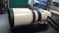 Canon EF 300mm f/2.8L IS USM Lens with Case
