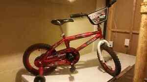 Boys 16' Lightening McQueen bike w/training wheels **LIKE NEW**