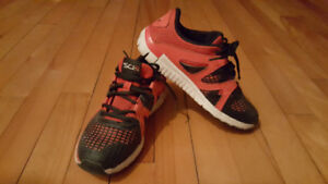 Reebok size 2 toddler sneakers in great condition 10 pick up eas