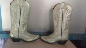 LOOK....NEW BOULET LEATHER WESTERN BOOTS