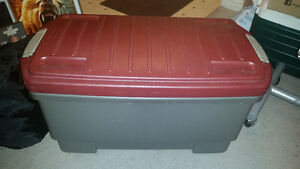 Large Rubbermaid work tote with lockable handles only $15.......