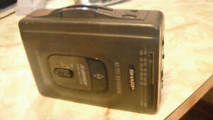 90s Cassete Walkman w\radio