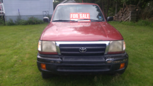 1999Tacoma 4x4 4cyl. 5speed. 295000kms Comes with plow. $3200