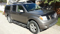 2005 Nissan Frontier LE Crew Cab Pickup Truck