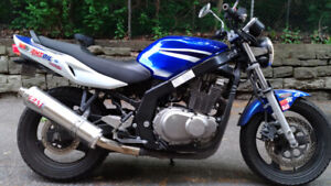 Suzuki GS500 - Low KMs, Well maintained.