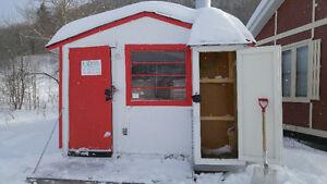 Cabane pêche blanche Saguenay Saguenay-Lac-Saint-Jean image 1