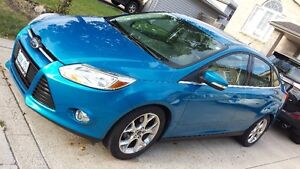 2012 FORD FOCUS SEL - LOW KMS, LEATHER, HEATED SEATS, SUNROOF