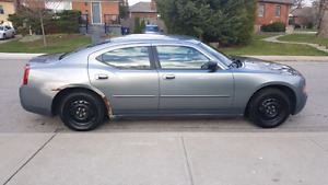 2007 Charger 257000kms $3000    Today Only Need My Driveway