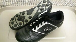 SOCCER KLEETS SIZE 5