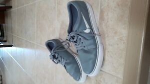 Men's Nike SB Casual Shoes Windsor Region Ontario image 1