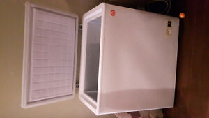 Igloo chest freezer white
