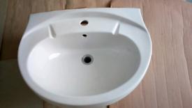 Bathroom sink good condition