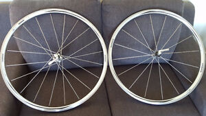 Roues Shimano RS10