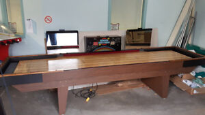 12' COMMERCIAL SHUFFLEBOARD WITH ELECTRONIC SCORE UNIT & LIGHTS