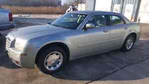 2005 Chrysler 300 beautiful condition