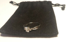 10 kt White gold engagement ring for barging price