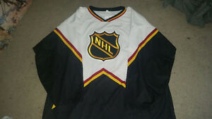 Awesome NHL jersey in like new condition only $29..size XL......