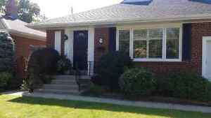 FURNISHED 1 BEDROOM BASEMENT APARTMENT IN THE KINGSWAY