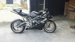 TRIUMPH DAYTONA 675 FOR SALE! LOW LOW KMS!!!!
