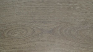 laminate flooring Light Oak