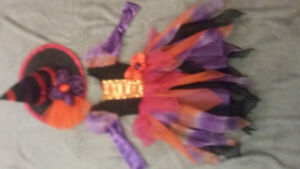 Halloween costume - girls witch size 3-4.