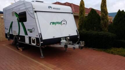2013 Windsor Rapid full height caravan