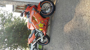 Custom cbr 600 everything brand new in last 2 yrs