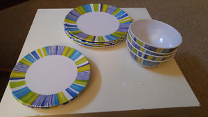 4 Piece Place Setting Patio Dishes
