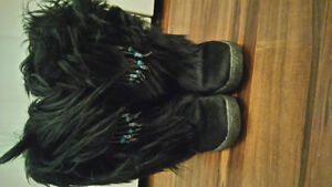 PAJAR EXTREME WINTER GOAT FUR BOOTS SIZE 9